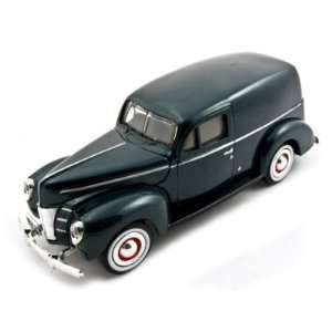 1940 Ford Sedan Delivery Green 124 Diecast Car Model Toys & Games