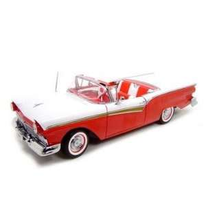 Ford Fairlane Skyliner 1957 1/18 scale Toys & Games
