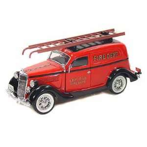 Ford Sedan Delivery Chicago Fire Department 1/24 Red Toys & Games