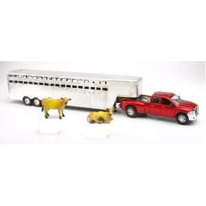 Fifth Wheel Trailer and Cows Diecast and Plastic Model   132 scale